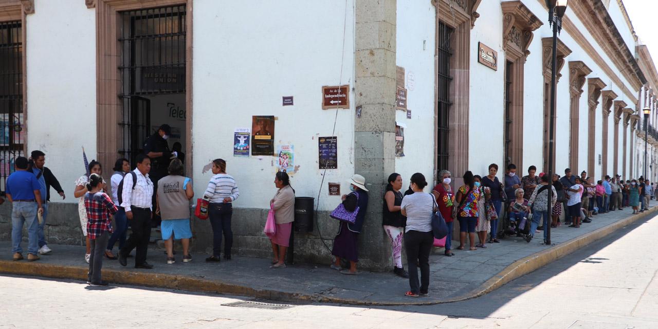 Entregan apoyos federales en medio de contingencia | El Imparcial de Oaxaca