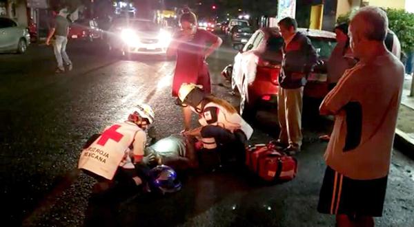 Le corta el paso a motociclista | El Imparcial de Oaxaca