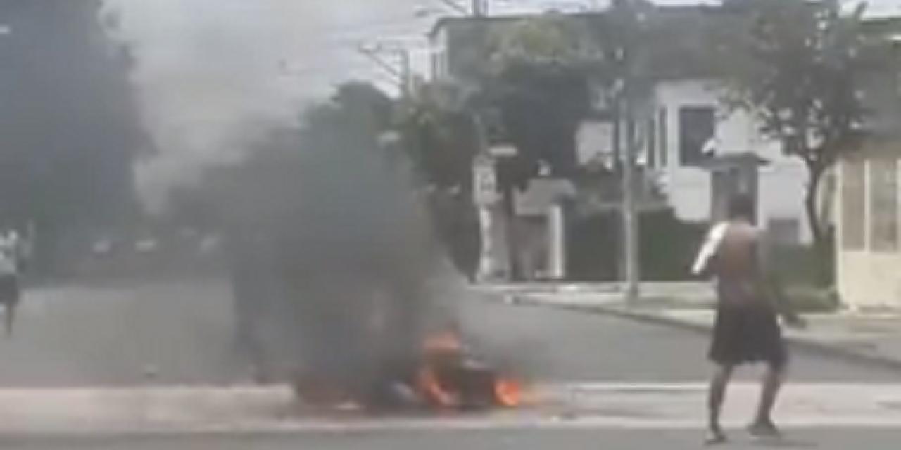 Video: Ecuador colapsa por pandemia; queman cadáveres en las calles | El Imparcial de Oaxaca