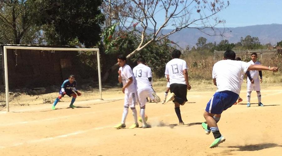 Gana Relámpago a los Futboleros XXX | El Imparcial de Oaxaca