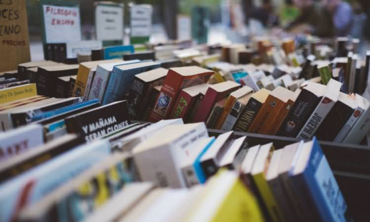 Aumenta venta electrónica de libros | El Imparcial de Oaxaca
