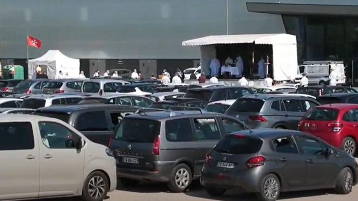 Misa en coche, fieles asisten a celebración en París   El Imparcial de Oaxaca