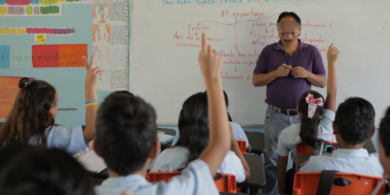 Día del Maestro se festeja sin abrazos en Oaxaca | El Imparcial de Oaxaca