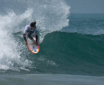 Jhony Corzo; revolucionando el surf mexicano