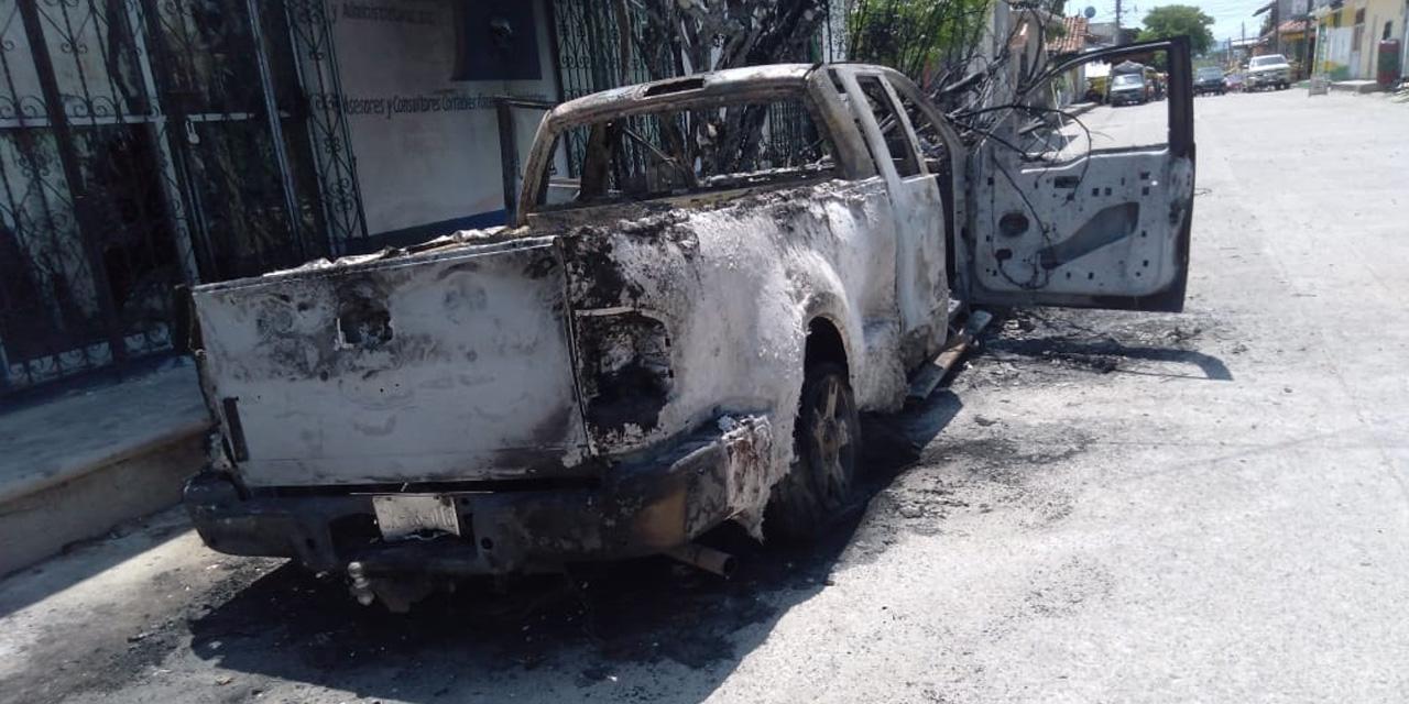 Camioneta choca y se incendia en Chahuites | El Imparcial de Oaxaca