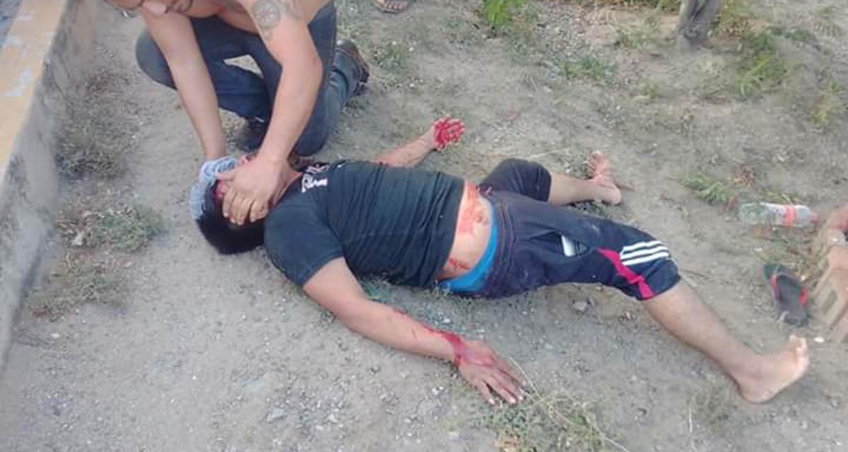 ¡Brutal impacto entre motociclista y un taxi de Salina Cruz!