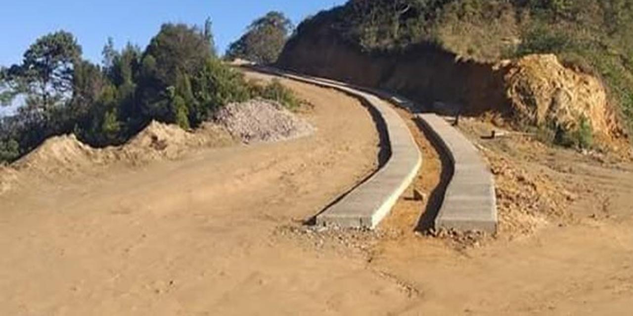 Programa de pavimentación de la 4T fracasó en Zoquiápam | El Imparcial de Oaxaca