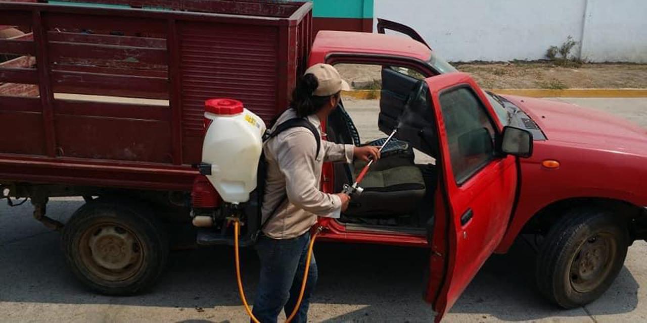 San Dionisio del Mar sanitiza automóviles | El Imparcial de Oaxaca
