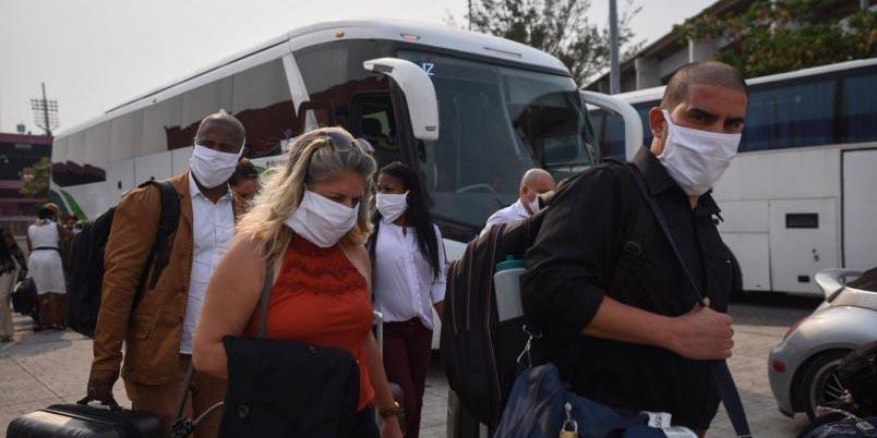 Llegan a Veracruz médicos cubanos para atender casos de Covid-19   El Imparcial de Oaxaca