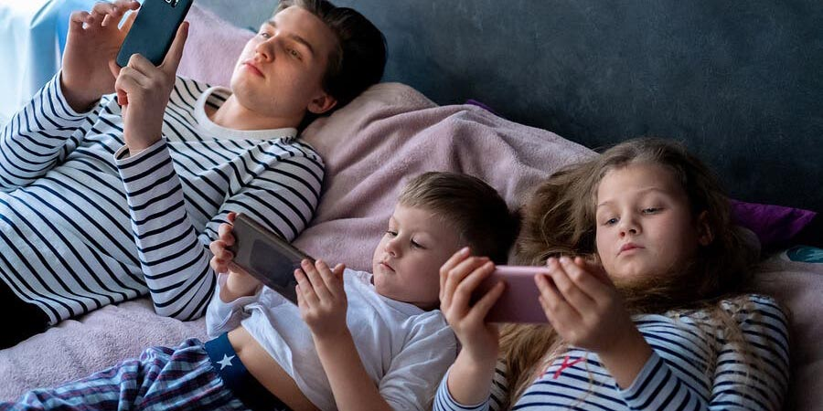 El exceso de exposición a las pantallas en niños | El Imparcial de Oaxaca