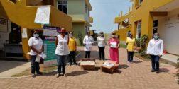 Club Rotario Zicatela dona material médico a los profesionales de la salud
