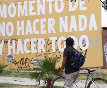 Solo la lluvia vacía las calles de Oaxaca
