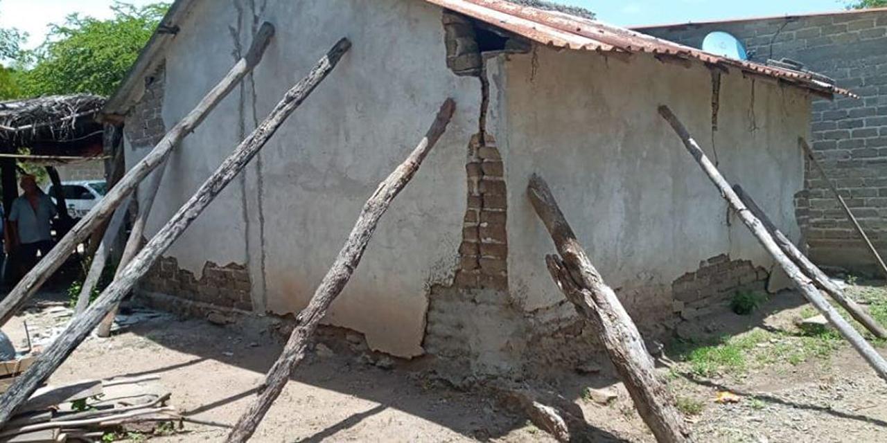 Más de 400 viviendas afectadas en Astata por sismo de 7.5 | El Imparcial de Oaxaca