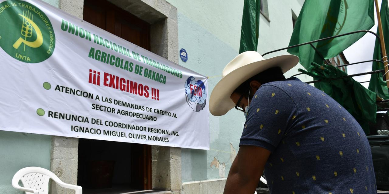 Trabajadores Agrícolas instalan plantón; piden préstamos   El Imparcial de Oaxaca