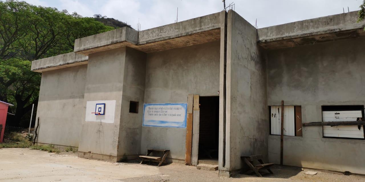 Exigen conclusión de hospital abandonado en el Istmo   El Imparcial de Oaxaca