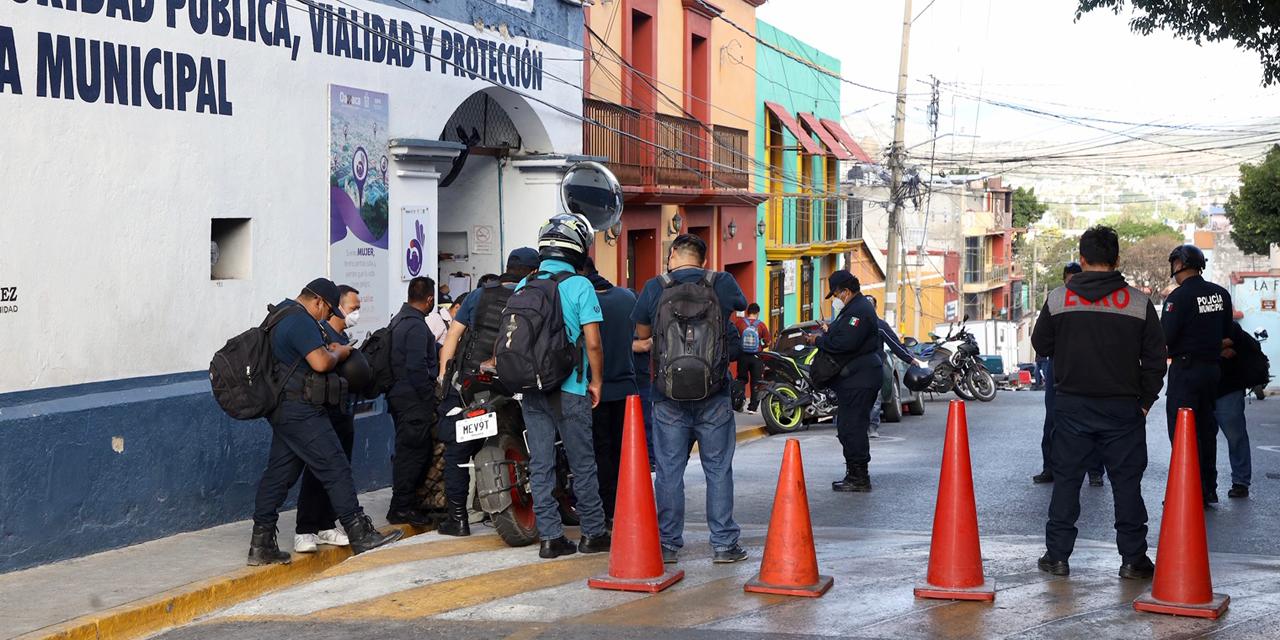 Policías municipales de Oaxaca estallan en protestas | El Imparcial de Oaxaca