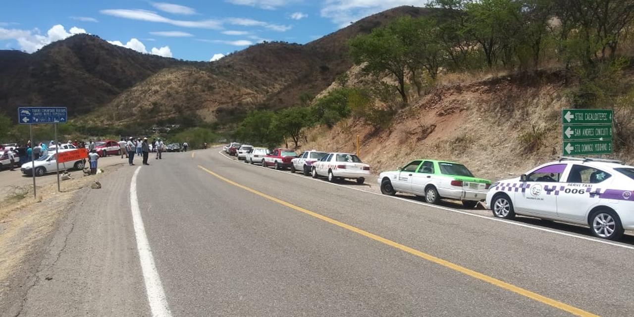 Retienen taxis en Tamazulápam por impedirles trabajar | El Imparcial de Oaxaca