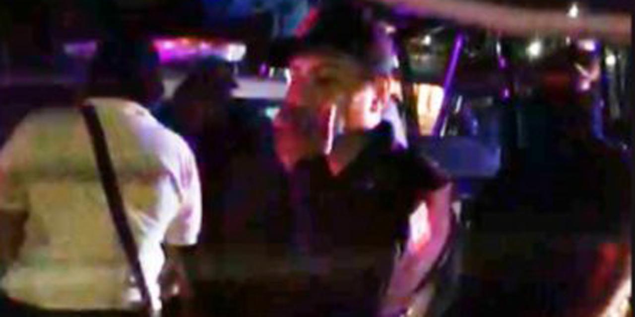 Video: Por no usar cubrebocas, policía detiene a albañil y lo regresan muerto | El Imparcial de Oaxaca