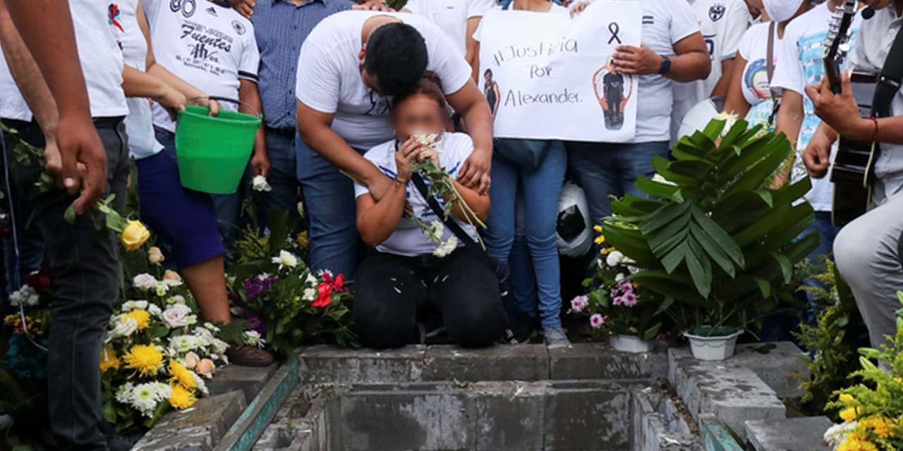 Habrá justicia en caso Alexander: Murat | El Imparcial de Oaxaca