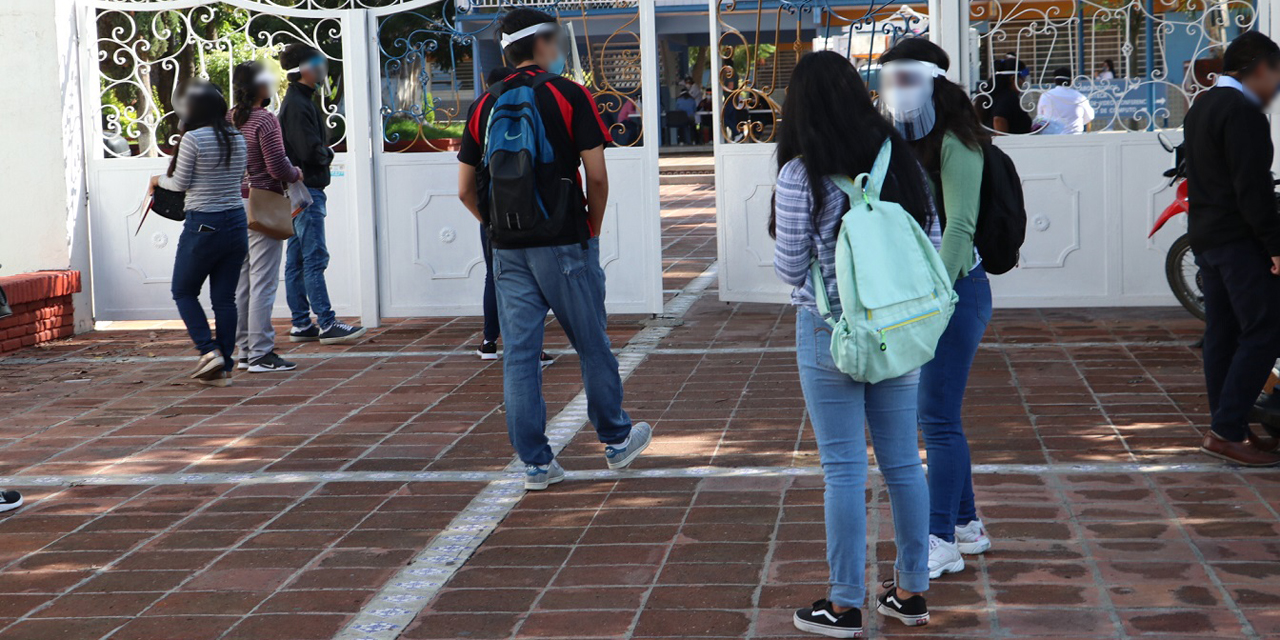 Condicionan Servicio Social por embarazo a alumnas de la UABJO   El Imparcial de Oaxaca