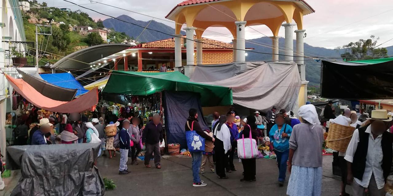 Continúa jueves de plaza en Zoogocho pese a pandemia | El Imparcial de Oaxaca