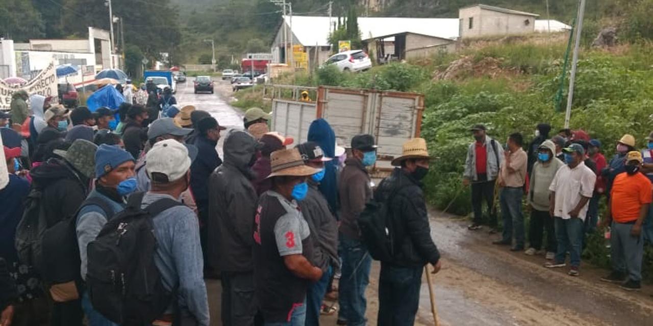 Intensifican bloqueos en Tlaxiaco por falta de respuesta | El Imparcial de Oaxaca