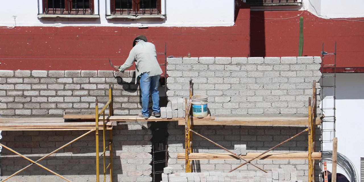 Maestros albañiles resienten la crisis económica por Covid-19   El Imparcial de Oaxaca