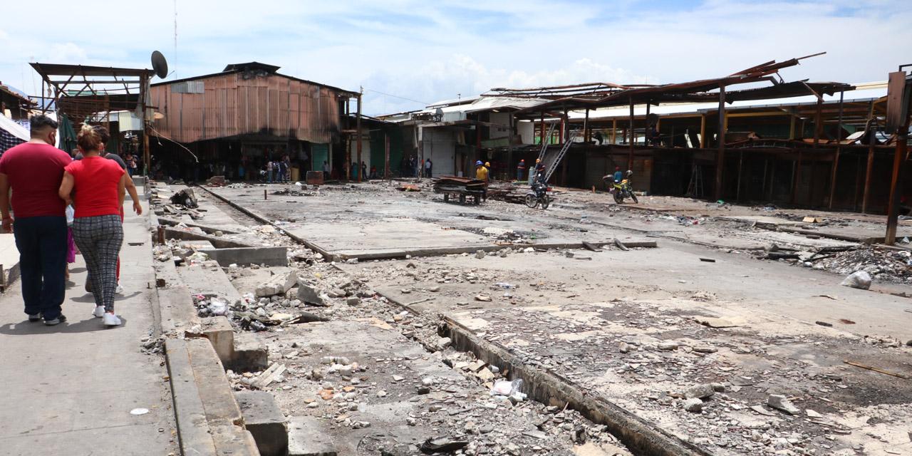 Comerciantes afectados por incendio deben pagar concesiones al Ayuntamiento | El Imparcial de Oaxaca
