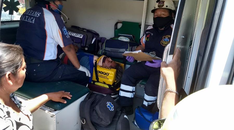Le cortan la circulación a repartidor de quesos y se estampa contra un taxi | El Imparcial de Oaxaca