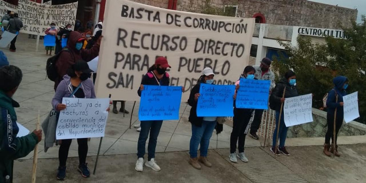 Habitantes de Teposcolula bloquean carretera Huajuapan-Oaxaca | El Imparcial de Oaxaca