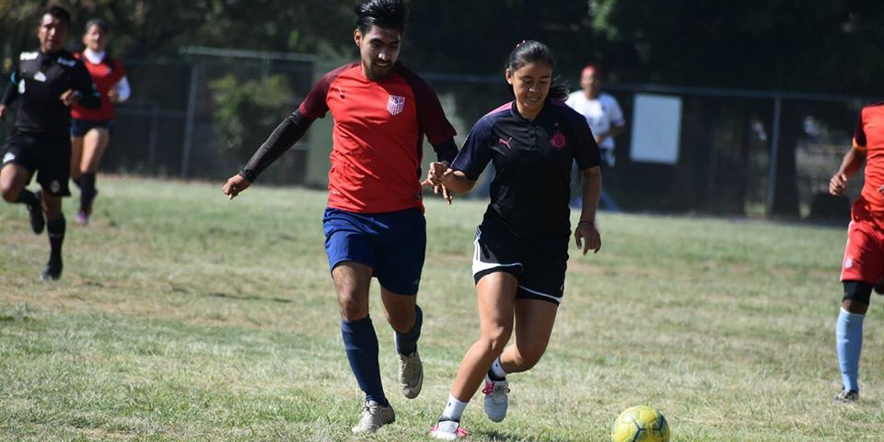 Facultad de Cultura Física y Deporte realizará curso sobre modelo de futbol en el juego   El Imparcial de Oaxaca
