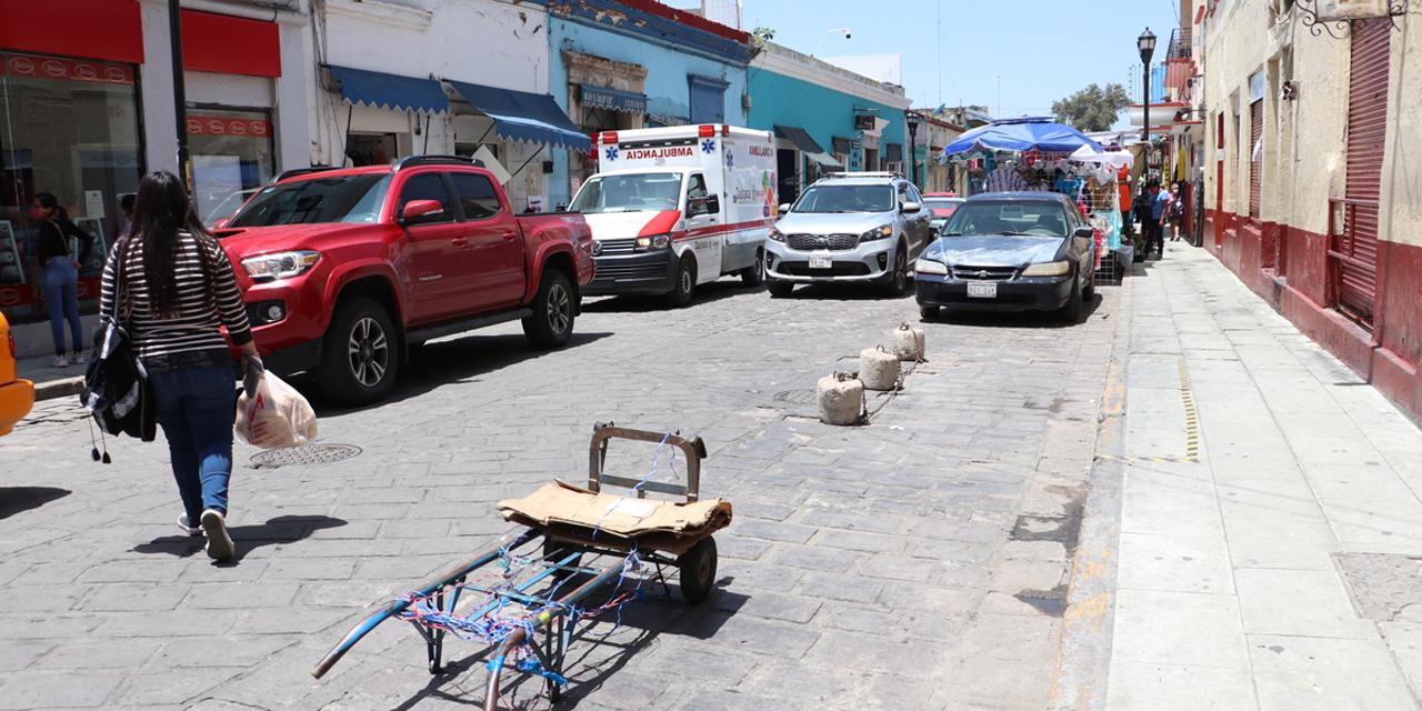 Pese a prohibición, ciudadanía aparta lugares en las calles de Oaxaca   El Imparcial de Oaxaca
