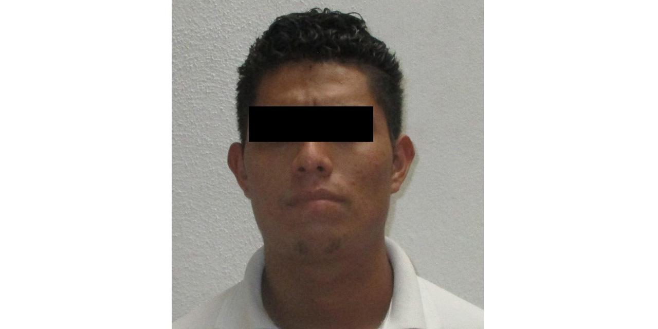 Detienen a falso agente de investigación en Central de Abasto   El Imparcial de Oaxaca