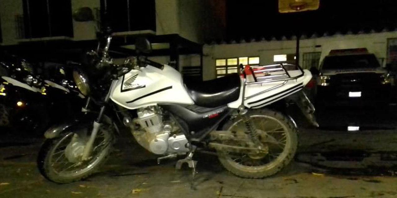 Abandonan motocicleta tras un presunto robo en Santa Lucía   El Imparcial de Oaxaca
