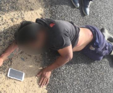 Hombre se lesiona al caer de camioneta en ruta a Reyes Mantecón