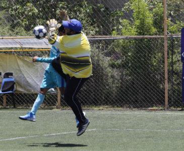 Arrancan primeros encuentros de futbol en nueva normalidad
