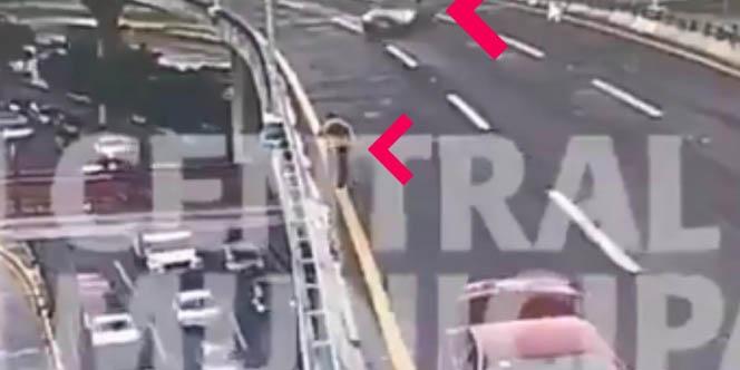Video: Hombre 'sale volando' de 2° piso de Periférico, cae y auto lo arrolla | El Imparcial de Oaxaca