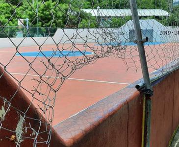Deportistas destruyen instalaciones de futbol