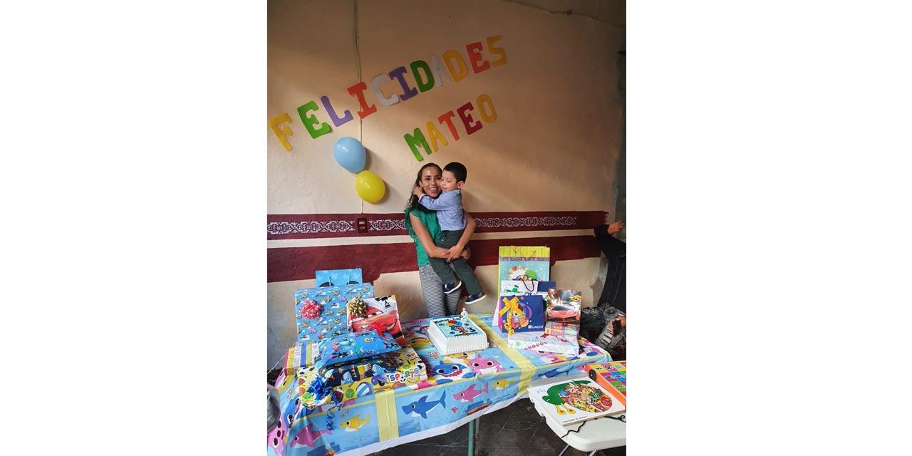 Celebran con detalles y piñatas
