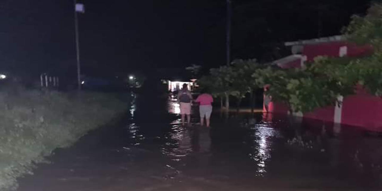 Río Cazadero se desborda por lluvias; 40 viviendas afectadas | El Imparcial de Oaxaca