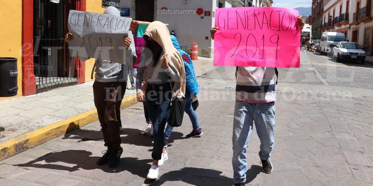 Egresados de normales protestas en Armenta y López e Hidalgo | El Imparcial de Oaxaca