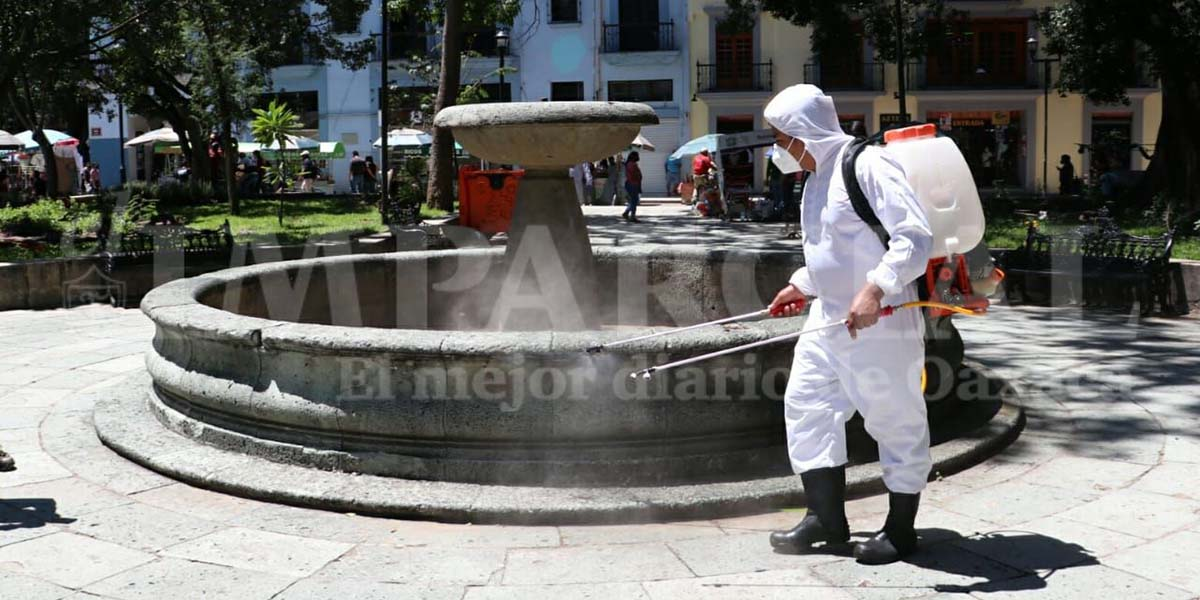 Afluencia de paseantes aumenta en el Centro Histórico de Oaxaca