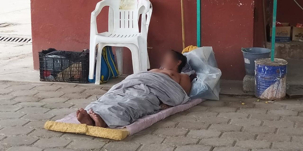Abandonan a enfermo en vía pública de Juchitán   El Imparcial de Oaxaca