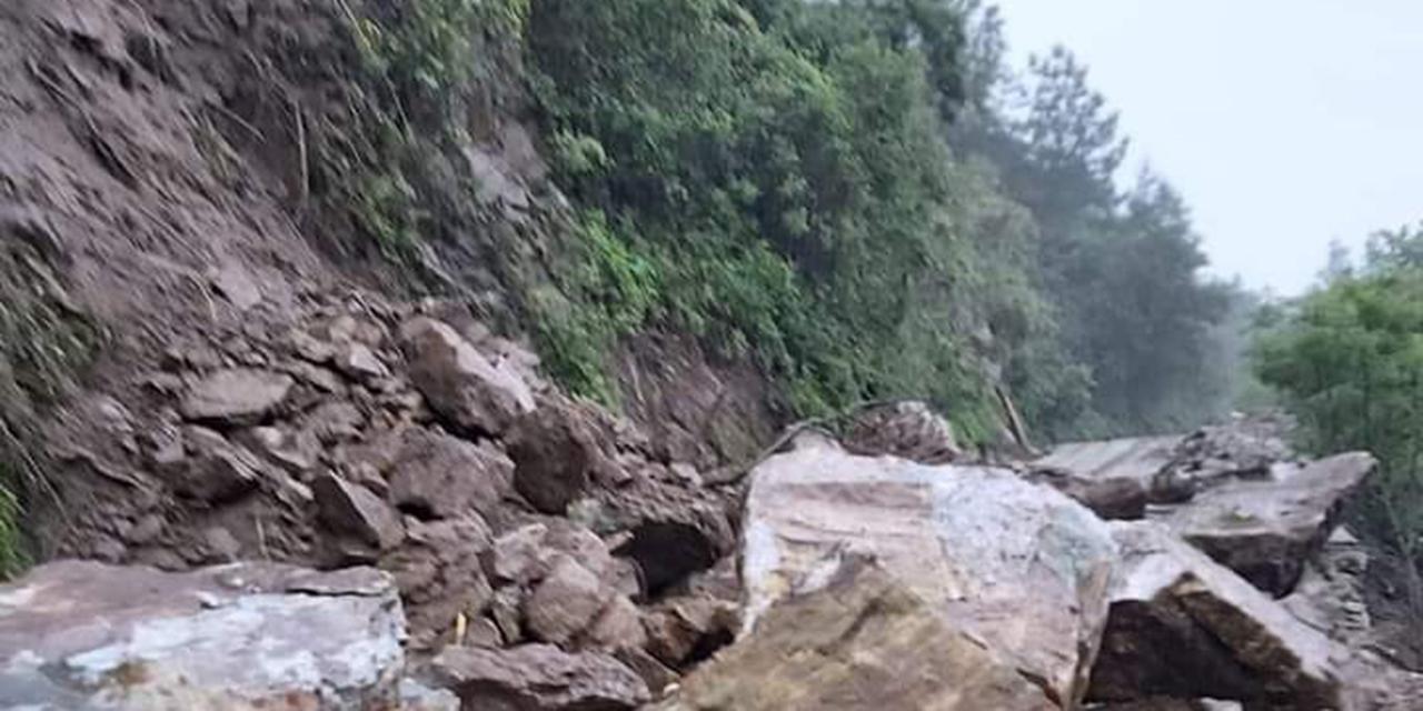 Deslaves incomunican a Santa Cruz Ozolotepec | El Imparcial de Oaxaca