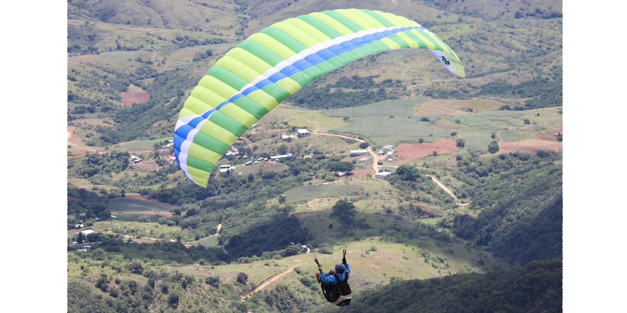Una mejor vida a través del parapente | El Imparcial de Oaxaca