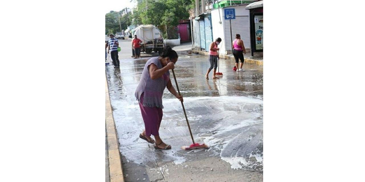 Locatarios de Salina Cruz hacen frente al Covid-19 | El Imparcial de Oaxaca