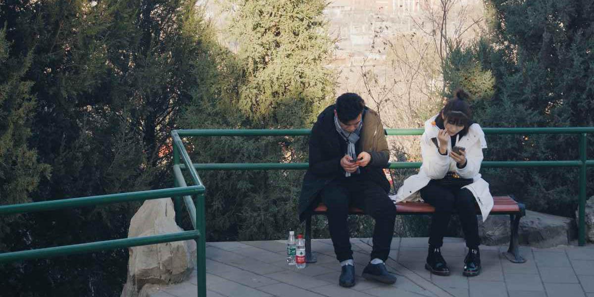 Expertos explican cómo tu celular está arruinando tu relación | El Imparcial de Oaxaca