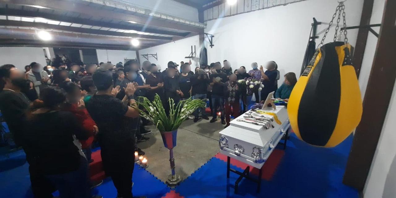 Dan último adiós a artemarcialista asesinado en Oaxaca | El Imparcial de Oaxaca