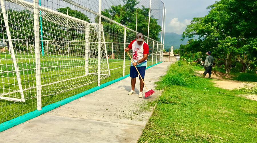 Dan mantenimiento a espacios deportivos por temporada de lluvias | El Imparcial de Oaxaca