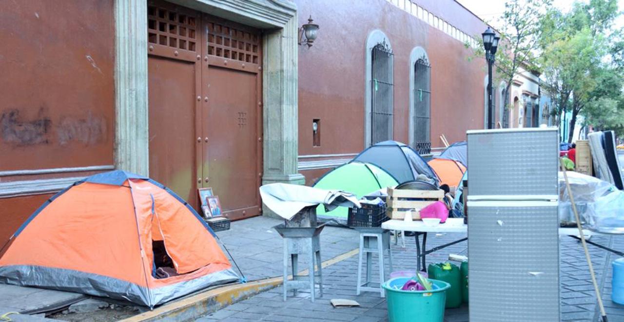 Reinstalan plantón en Casa Oficial | El Imparcial de Oaxaca